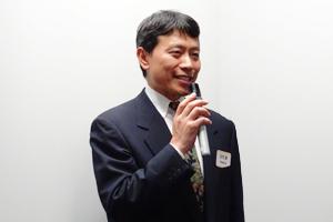 セミナーの総括をされる(事業委員/横浜薬大薬)庄司 満先生